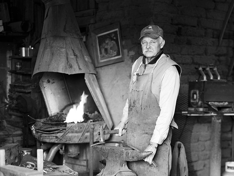 Glenn_Moreland_Blacksmith-Art-Gallery-Stay-At-Fort-Davis-Cow-Camp
