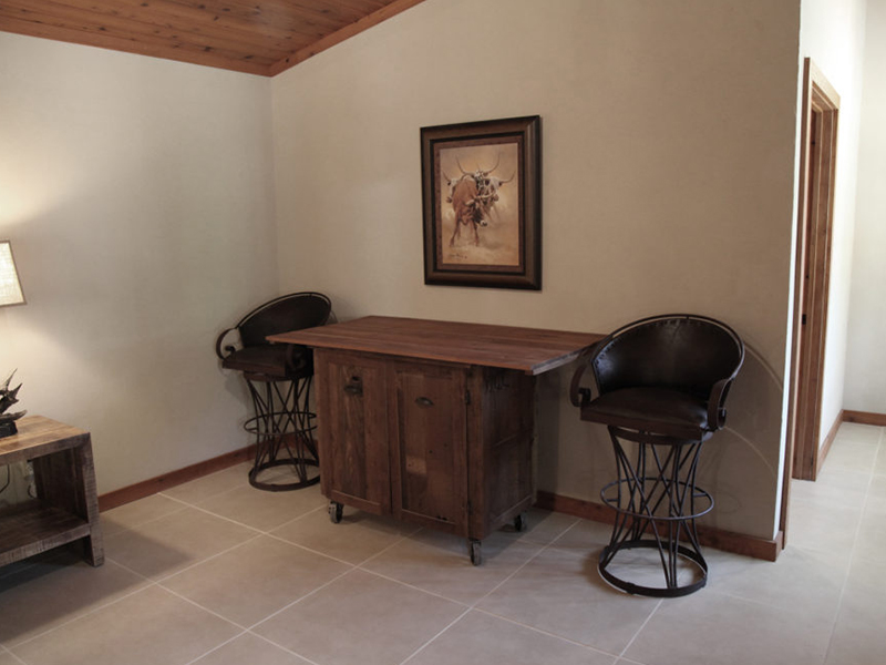 The-Bunkhouse-at-Cow-Camp-Best-Place-To-Stay-in-Fort-Davis-desk