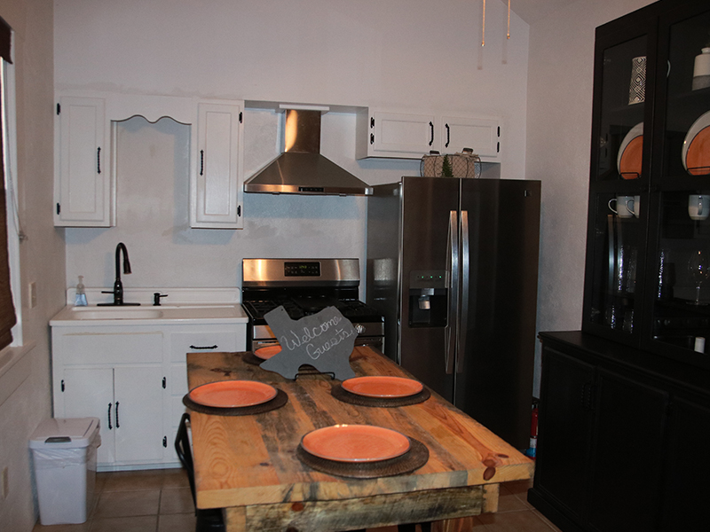 Carriage-House-Kitchen-at-Cow-Camp-Lodging-in-Fort-Davis