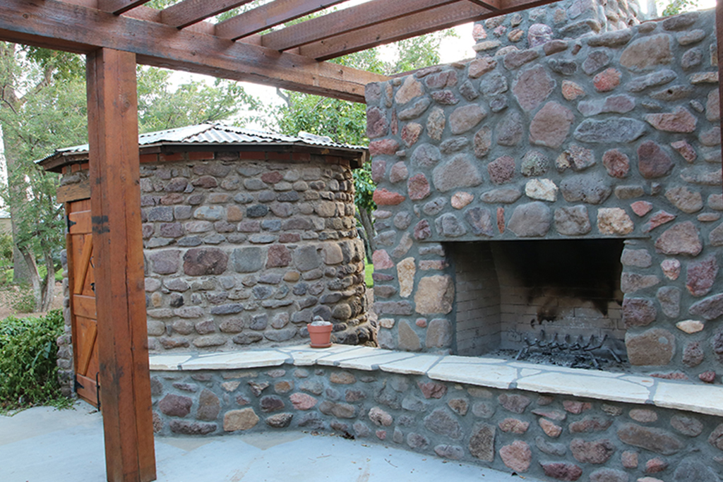 Outdoor-Fireplace2-Stay-At-Fort-Davis-Cow-Camp