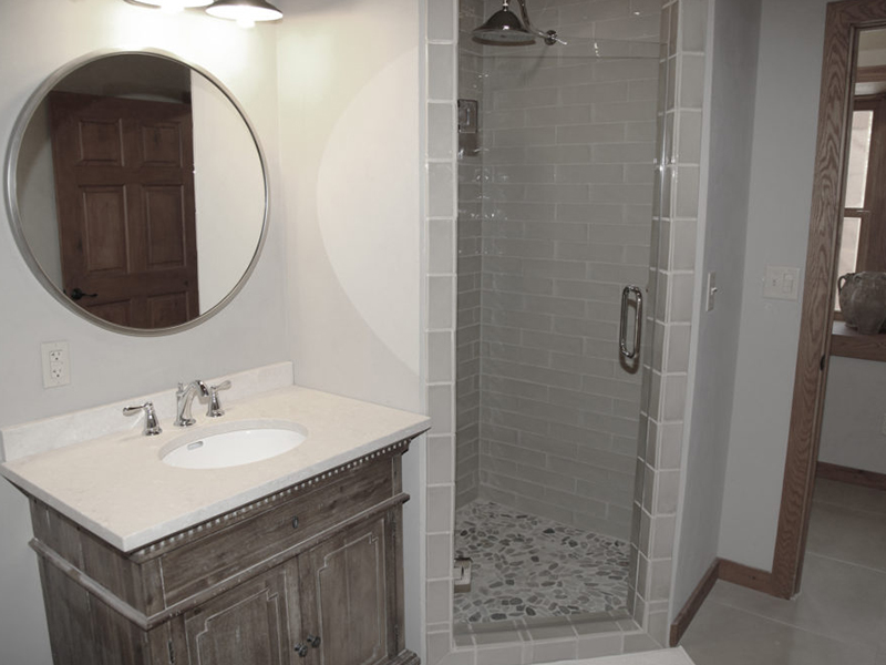 The-Bunkhouse-at-Cow-Camp-Best-Place-To-Stay-in-Fort-Davis-Shower.